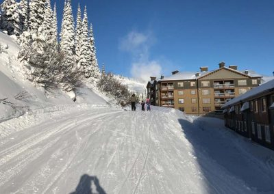 Alluradirect.com Mountain Vacations - ski and snowboard